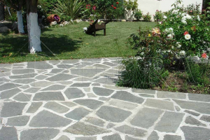 Kamenná dlažba / obklad 20-50 cm, Šedé šlapáky do betonu