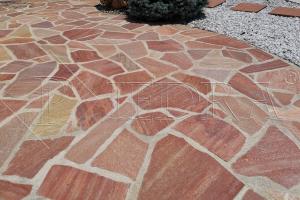 Kamenná dlažba / obklad 20-50 cm PINK,šlapáky do betonu