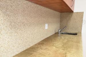 Mramorový koberec PIEDRA na stěnu, sada 27,86 kg, až 2,2 m2